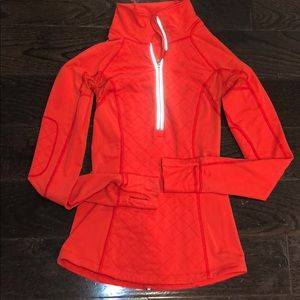 Red quilt detail lululemon longsleeve/jacket